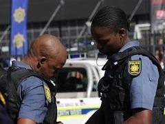 В ЮАР американского туриста ранили при ограблении