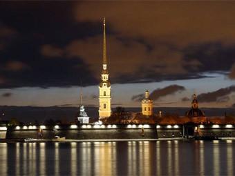 Вид на Петропавловскую крепость. Фото с сайта avit-centre.spb.ru