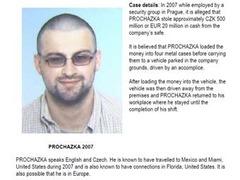 Интерпол опубликовал фотографии самых разыскиваемых преступников
