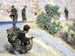 В Турции курды застрелили трех военнослужащих