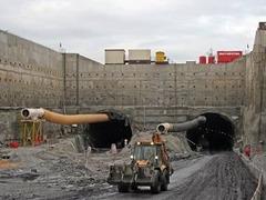В Праге обрушился крупнейший автомобильный тоннель