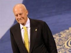 Норман Фостер променял место в Палате лордов на дом в Швейцарии