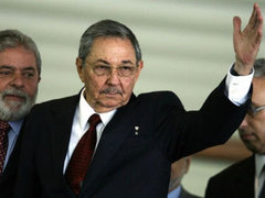 Власти Кубы согласились освободить 52 политзаключенных