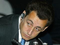 Журналистов обвинили в искажении информации о подкупе Саркози