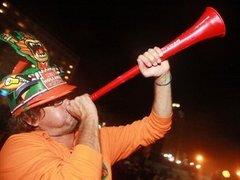 Голландец лишился работы из-за сломанной вувузелы