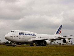 Лайнер Air France экстренно сел в Бразилии из-за угрозы взрыва