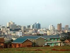 В результате серии взрывов в столице Уганды погибли более 20 человек