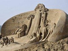 В конкурсе песчаных скульптур победили художники из Санкт-Петербурга