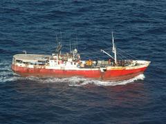 Сомалийские пираты освободили два судна