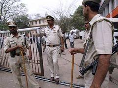 В Индии из тюрьмы сбежали девять опасных преступников