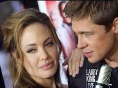 """Питт и Джоли засудили авторов их """"развода"""""""