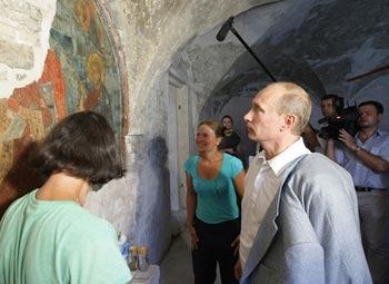 Владимир Путин в кремле Великого Новгорода. Фото с сайта premier.gov.ru