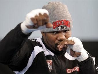 Перед каждым крупным боем боксеры должны...