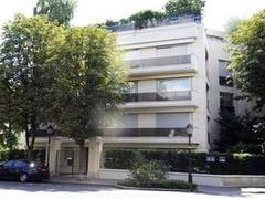 Полиция обыскала дом дочери богатейшей женщины Франции