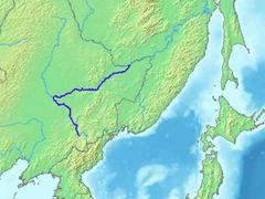 В Китае бочки с опасными химикатами смыло в приток Амура