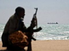 Сомалийcкие пираты отпустили судно с двумя украинцами в экипаже