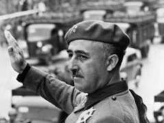 В Испании демонтировали последний конный памятник Франко
