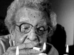 В Лондоне скончалась старейшая курильщица Великобритании