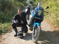 Британский учитель в одиночку проехал по Африке на мотоцикле