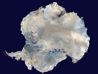 Антарктида со спутника. Фото NASA
