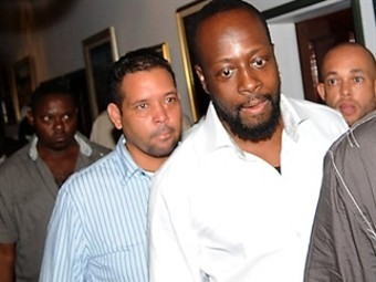 Уайклеф Джин через суд оспорит право бороться за пост президента Гаити