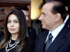 Жена Берлускони отвергла предложенные ей условия развода