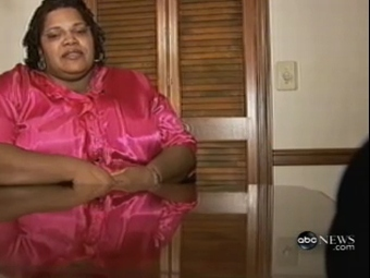 Маникюрный салон взял с клиентки плату за лишний вес