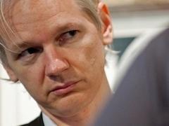 Основатель Wikileaks нанял адвоката