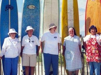 Монахини проведут соревнования по серфингу