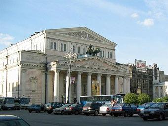 Вид на здание Большого театра. Фото пользователя VSS с сайта wikipedia.org