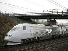 В Швеции скоростной поезд столкнулся с экскаватором