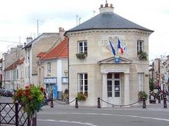 Жители Пуасси пожаловались Саркози на стоимость коммунальных услуг