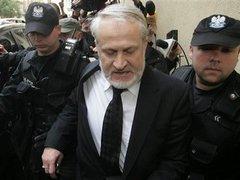 Суд постановил освободить Закаева из-под стражи