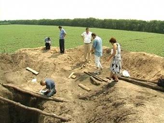 Раскопки кургана в Николаевской области на Украине. Фото с сайта pn.mk.ua