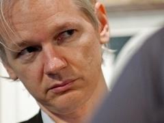Основателю WikiLeaks разрешено покинуть Швецию