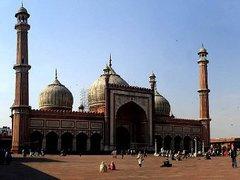В Дели обстрелян автобус с иностранными туристами