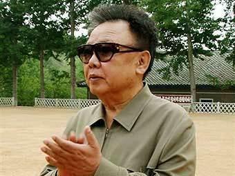 Ким Чен Ир. Архивное фото, переданное по каналам ©AFP