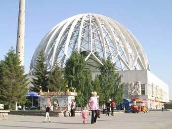 http://img.lenta.ru/news/2010/09/22/joburg/picture.jpg