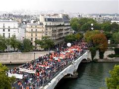 Профсоюзы Франции и полиция разошлись в оценках числа демонстрантов