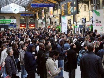 Подозрительный пакет на парижском вокзале оказался безвредным