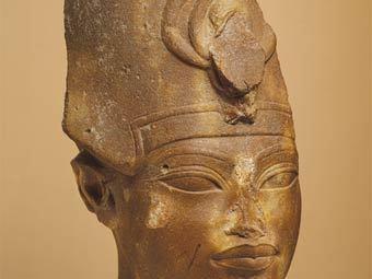 Голова Аменхотепа III из собрания музея Метрополитен