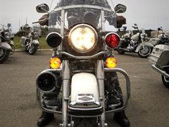"""Мотоциклист проедет 480 километров """"без рук"""""""