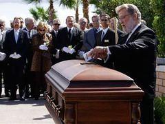 Тони Кертиса похоронили с любимой книгой и смартфоном