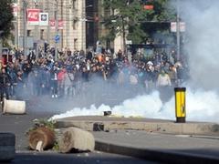 Противники гей-парада устроили беспорядки в Белграде