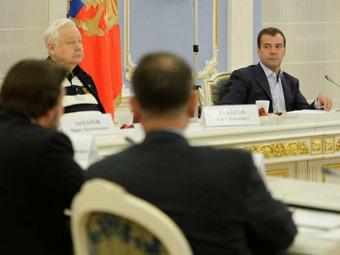 Дмитрий Медведев на встрече с деятелями российского театрального искусства. Фото с сайта kremlin.ru