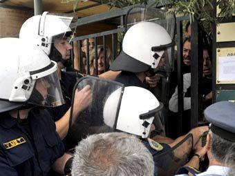 Полиция прогнала демонстрантов с афинского Акрополя