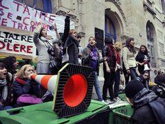 Во Франции из-за забастовок начался энергетический кризис
