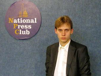 Илья Барабанов в Национальном пресс-клубе. Фото из ЖЖ Барабанова.