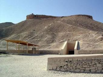 Вход в гробницу Тутанхамона. Фото travel-listing.com