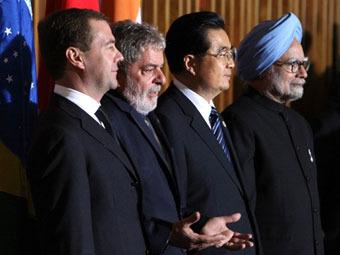 Лидеры стран БРИК на встрече в Бразилии. Фото ©AFP